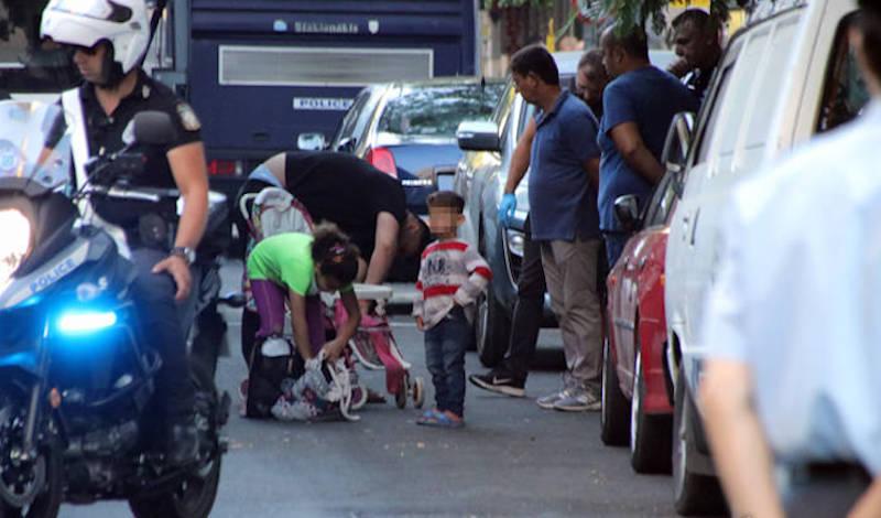Στο λιμάνι του Πειραιά μετανάστες και πρόσφυγες από τη Σάμο και τη Χίο