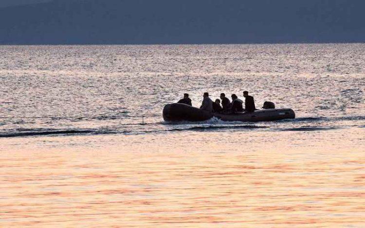 """Βάρκα με μετανάστες """"βγήκαν"""" σε παράλια της Κρήτης"""