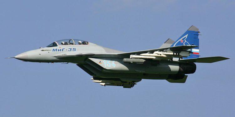 Το επιβλητικό ρωσικό μαχητικό MiG-35 θέλει να «εισβάλλει» στην Μέση Ανατολή