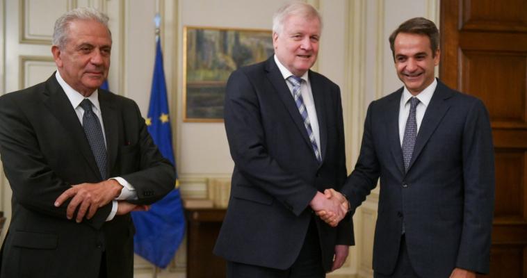 Στη μέγγενη Βερολίνου και FRONTEX η κυβέρνηση για το μεταναστευτικό