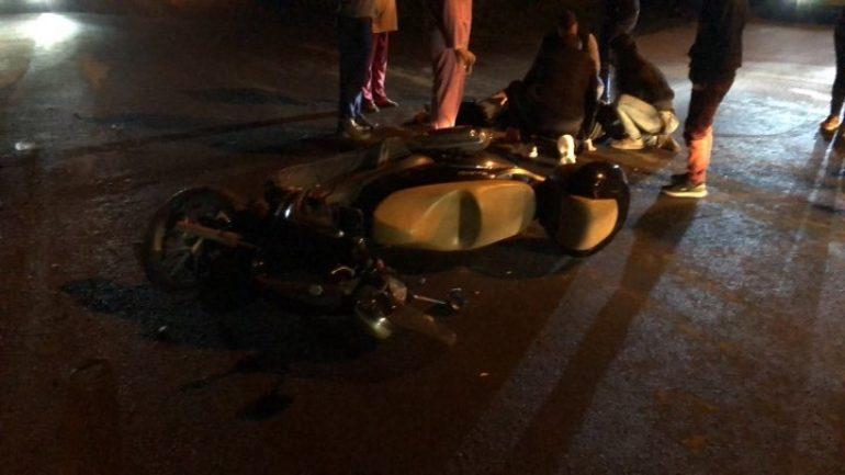 Χτύπησε τον μοτοσικλετιστή και τον εγκατέλειψε αβοήθητο!