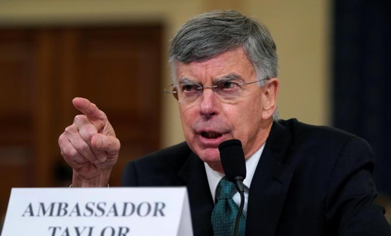 """Τραμπ: """"Κόλαση""""! Τον καίνε οι πρώτες καταθέσεις στις ακροάσεις για την αποπομπή!"""