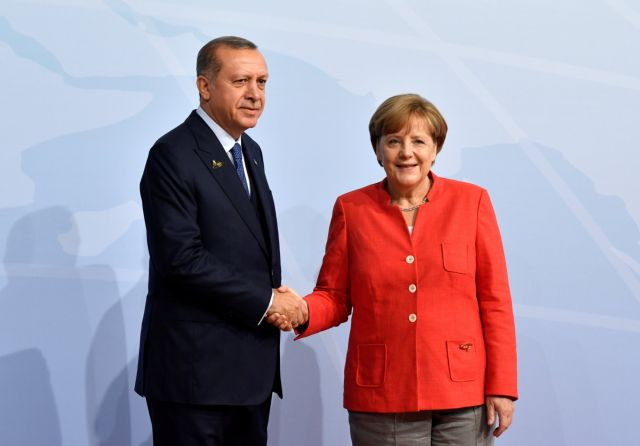 Τηλεφωνική επικοινωνία Ερντογάν – Μέρκελ: Τι συζητήθηκε