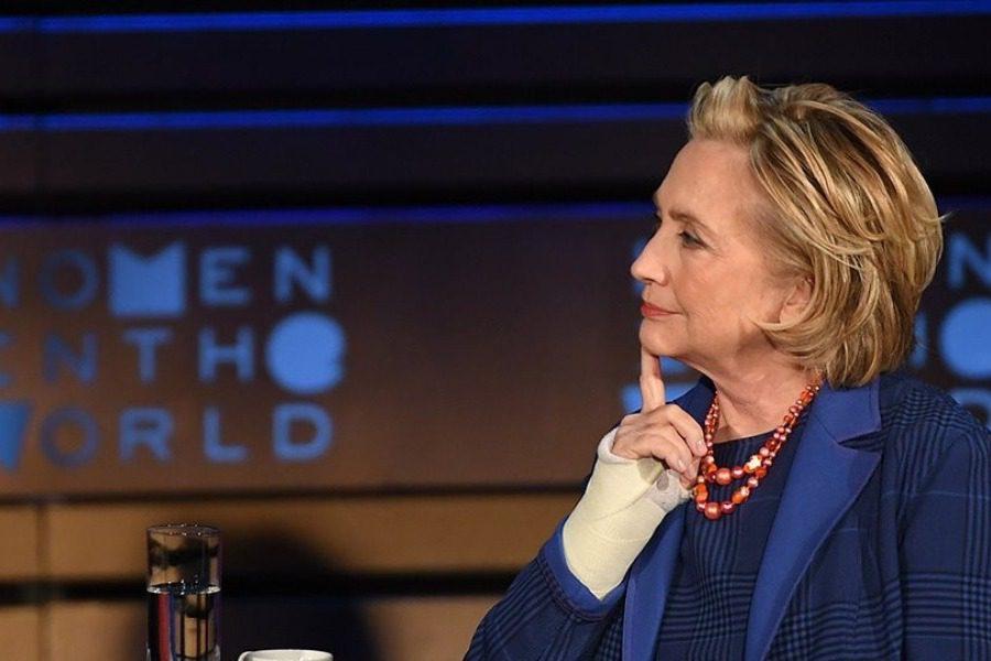 Η Χίλαρι Κλίντον απαντά στις φήμες για την ερωtική της ζωή