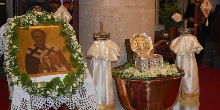 Κοσμοσυρροή στην Τύλισο για τον Άγιο Νικόλαο και τον μπακαλιάρο (φωτογραφίες)