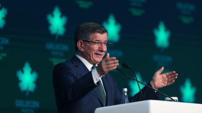 """Νταβούτογλου: Ανακοίνωσε την ίδρυση κόμματος, """"γαλλικά"""" για Ερντογάν"""