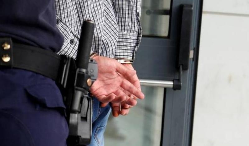 Πάτρα: Συνελήφθη 33χρονος που πυροβόλησε πάνω από το τζετ- σκι του, τέσσερα άτομα στη Καλογριάς