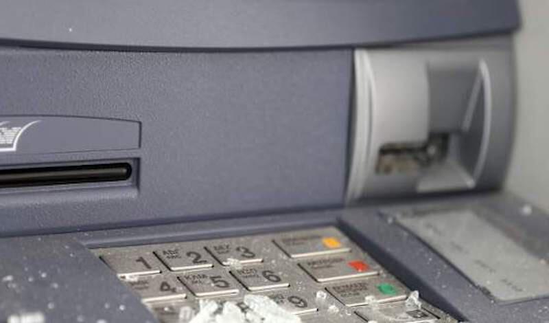 Νέα επίθεση σε τράπεζα! Ανατίναξαν και άδειασαν ΑΤΜ στην Ανάβυσσο