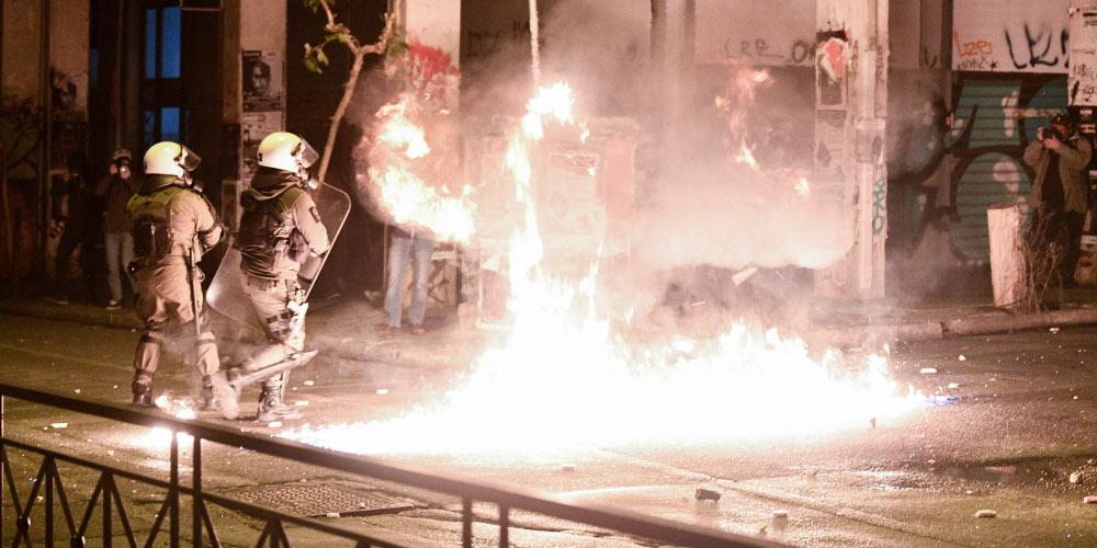 Ανάληψη ευθύνες για επιθέσεις και απειλές από αντιεξουσιαστές: Θα κάνουμε Εξάρχεια όλη την Αθήνα