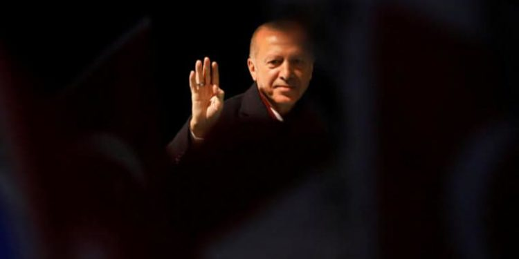 Ερντογάν: Δεν πρόκειται να υποχωρήσουμε στη συμφωνία με την Λιβύη