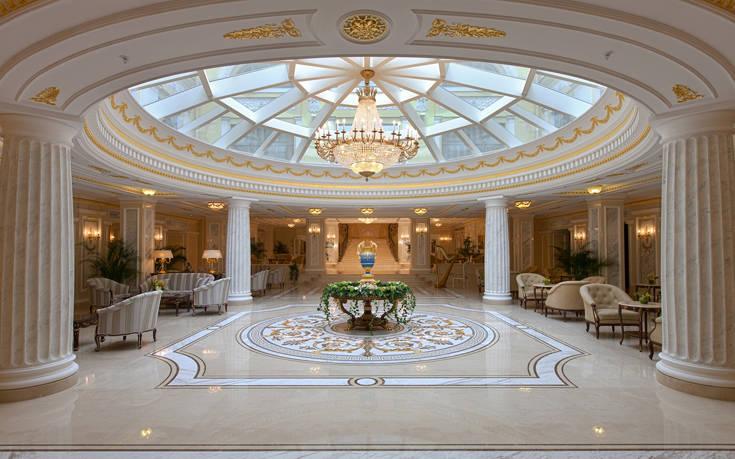 Το τσαρικών προδιαγραφών ξενοδοχείο της Αγίας Πετρούπολης