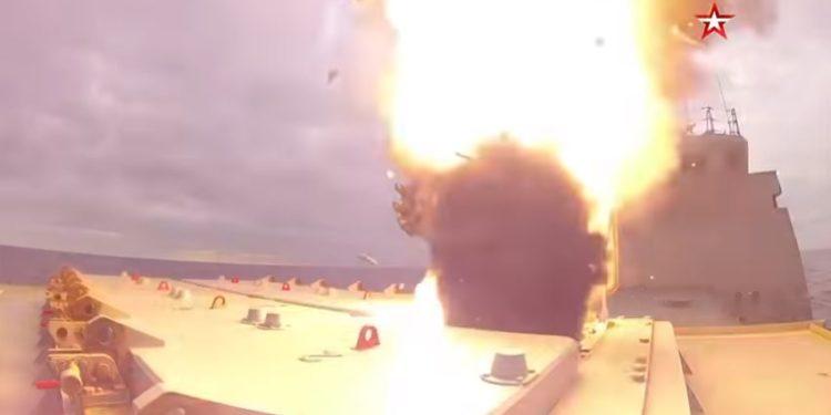 «Σείστηκε η γη» από τους πυραύλους Κalibr που εκτόξευσε ρωσική φρεγάτα [vid]