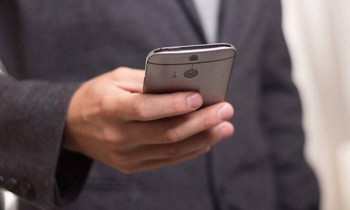 Αλλάζει η αγοράς κινητής τηλεφωνίας στην Ελλάδα