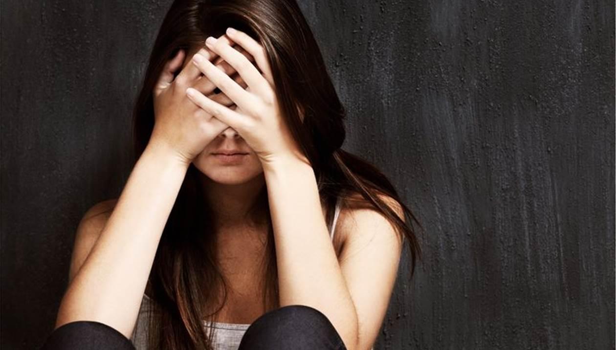Ανατριχιαστική υπόθεση στην Κρήτη: Bίαζε επί 15 χρόνια την μικρή του κόρη