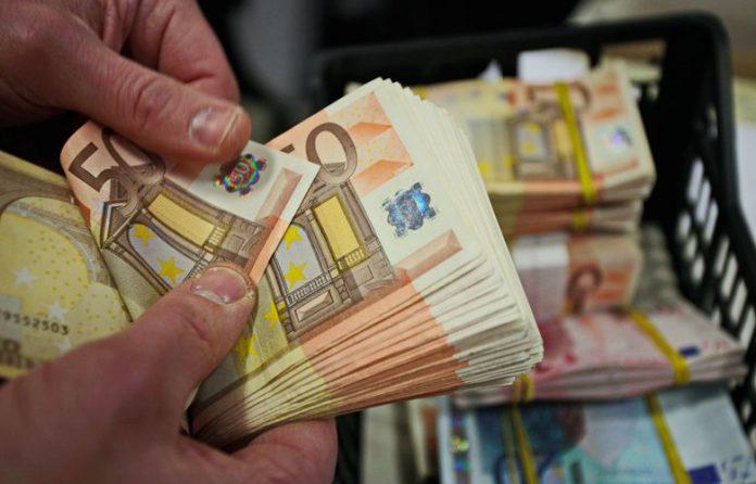 Προκαταβολή φόρου: Εξετάζεται η μείωσή της – Το σχέδιο