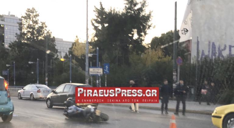 Νεκρός ο μοτοσικλετιστής του τροχαίου στη Συγγρού [Pics]