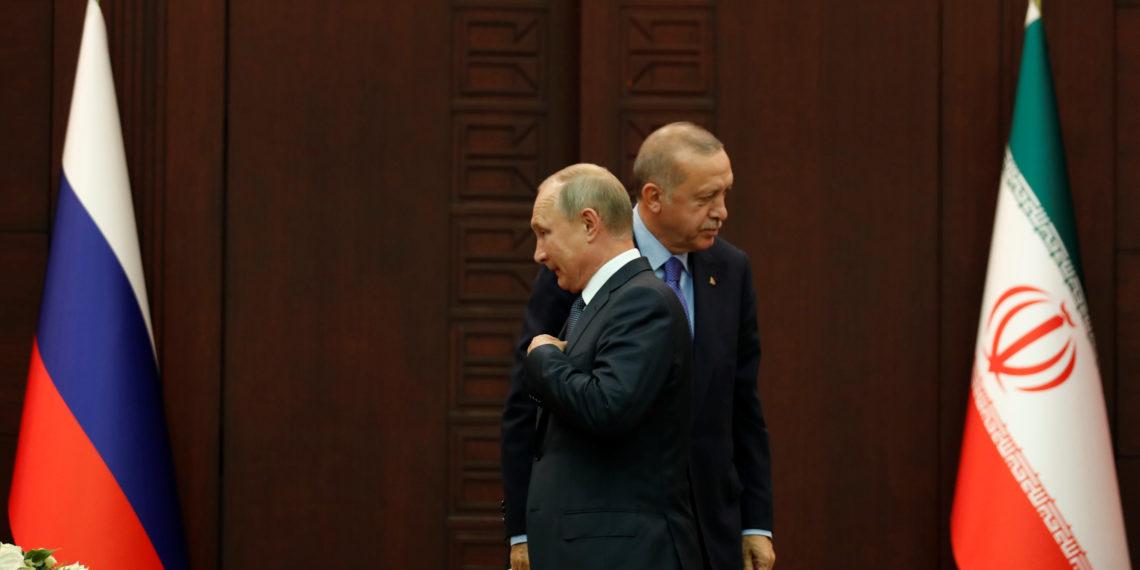 Πούτιν κατά Ερντογάν: Όχι σε ξένη επέμβαση στη Λιβύη