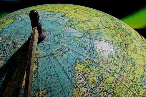 «Χαλάει» η πυξίδα της γης: Ο μαγνητικός βόρειος πόλος κινείται με πρωτοφανή ταχύτητα