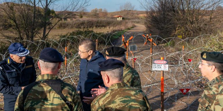 Σφραγίζουν τον Εβρο -Συρματοπλέγματα και περιπολίες για την ανακοπή των μεταναστευτικών ροών