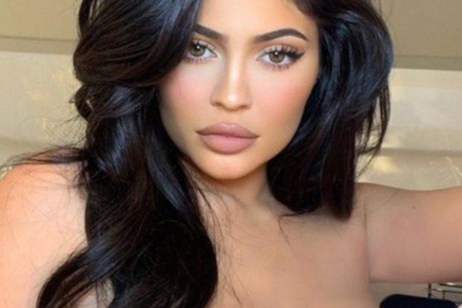 Kylie Jenner: Η τελευταία της φωτογράφιση για το 2019 είναι «κόλαση»