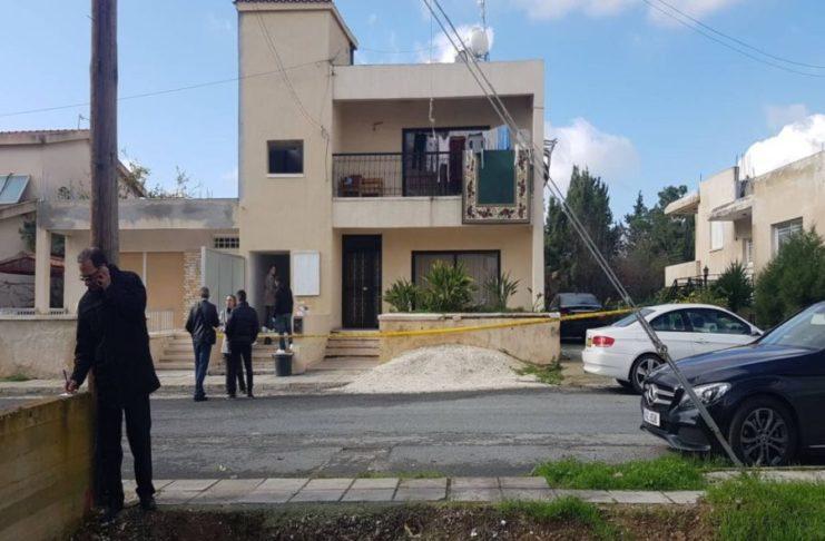Άγριο έγκλημα στην Κύπρο: Μαχαίρωσε μητέρα μπροστά στα ανήλικα παιδιά της (video)