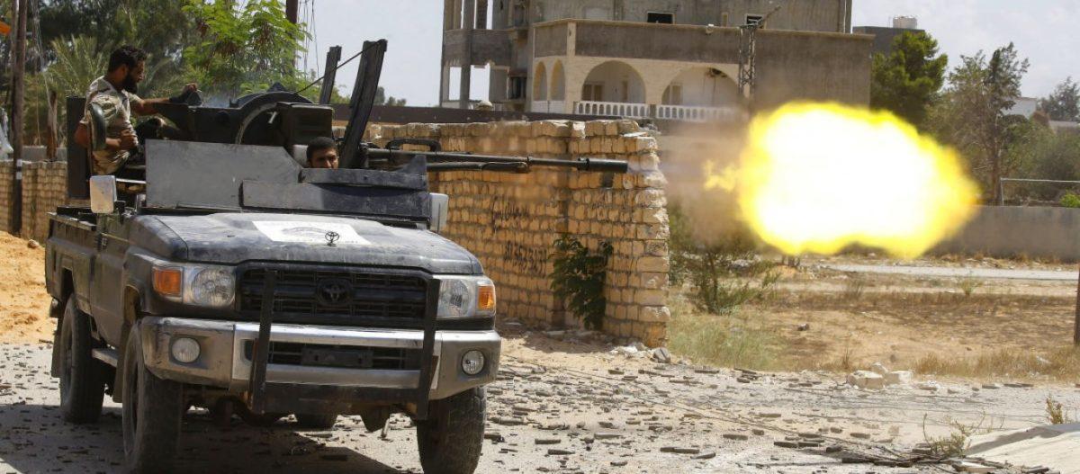 Λιβύη: Οι δυνάμεις του Χάφταρ μπήκαν στην Τρίπολη – Απέχουν λίγα χλμ. από το κέντρο της πόλης – «Καμία εκεχειρία»