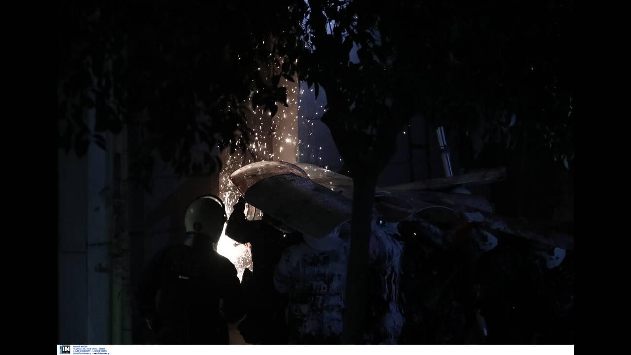 Κουκάκι: Έξι κατηγορίες σε βάρος των 20 συλληφθέντων – Ελεύθερη η κόρη του ηθοποιού