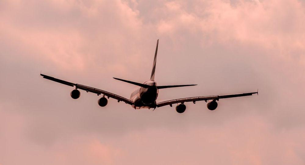 Αεροπλάνο άδειασε τα καύσιμά του πάνω από σχολεία στο Λος Άντζελες: Πολλοί τραυματίες – Βίντεο