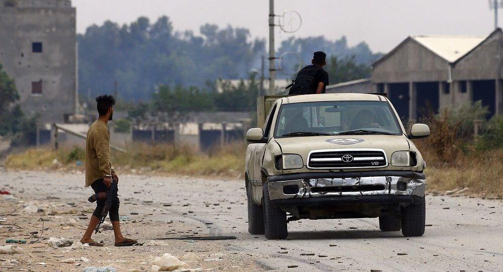 Εμφύλιος στη Λιβύη: Στην Τρίπολη ισχυρίζεται ότι εισήλθε ο στρατηγός Χαφτάρ
