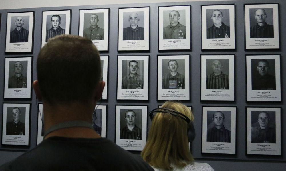 Τα Facebook έκρινε ως «ακατάλληλη» μία φωτογραφία θυμάτων του Άουσβιτς λόγω… γυμνού (Photos)