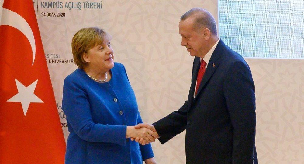 Όλα όσα είπαν Ερντογάν και Μέρκελ: «Τούρκοι για την εκπαίδευση Λίβυων στρατιωτών»