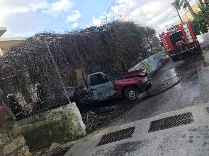 Χανιά: Στις φλόγες Αγροτικό όχημα στον Πλατανιά (pic)