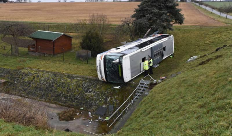 Τραγωδία στη Γερμανία : Τροχαίο με σχολικό λεωφορείο- Νεκρά δυο παιδιά και 20 τραυματίες