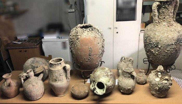Αστυνομική επιχείρηση αποκάλυψε πλήθος αρχαίων στην κατοχή 56χρονου Χανιώτη (φωτο)