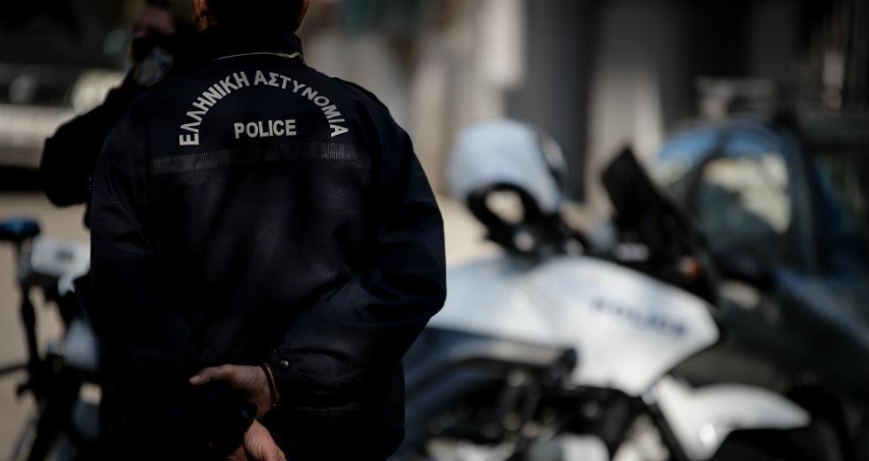 Προφυλακιστέος ο αστυνομικός – Ομολόγησε τις ληστείες και δήλωσε μετανιωμένος