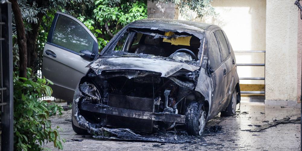 Τρεις στους 4 οδηγούς δεν θα αποζημιωθούν για εμπρησμό αυτοκίνητου