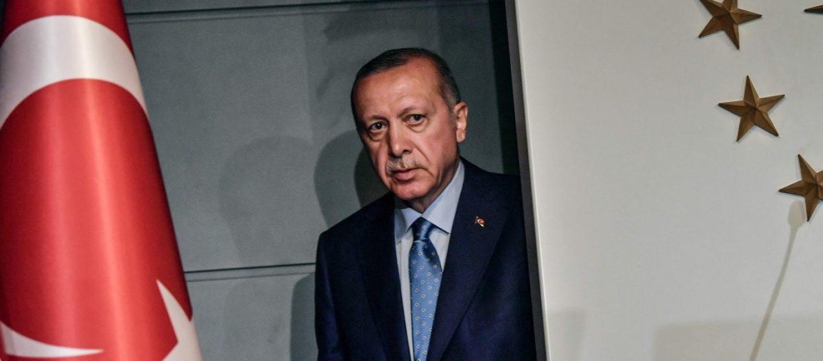 Βουτιά κάνει η δημοτικότητα Ερντογάν: Το 46% των Τούρκων τον αποδοκιμάζει