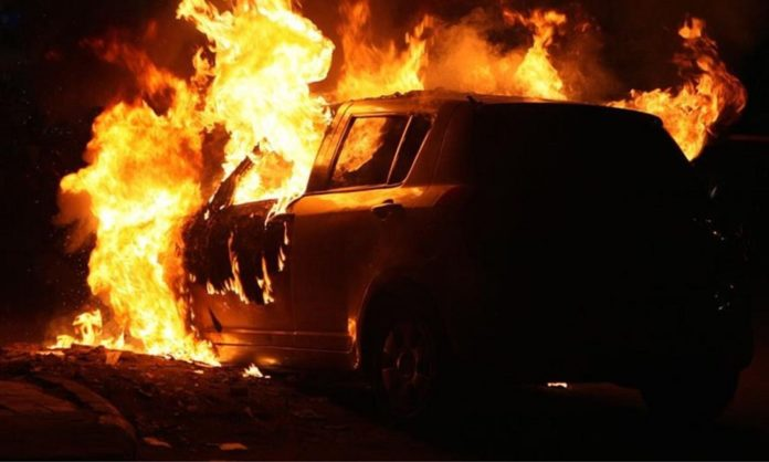 Στις φλόγες αυτοκίνητο τα ξημερώματα στην Κρήτη