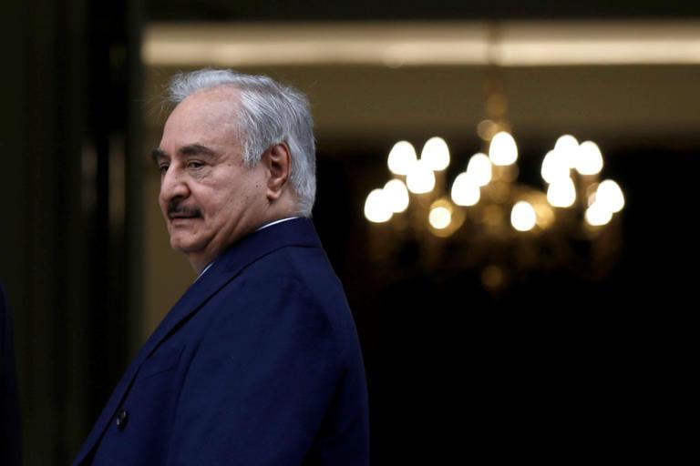 Χαλίφα Χάφταρ: Ποιος είναι ο άνθρωπος που αγαπά να μισεί η Λιβύη