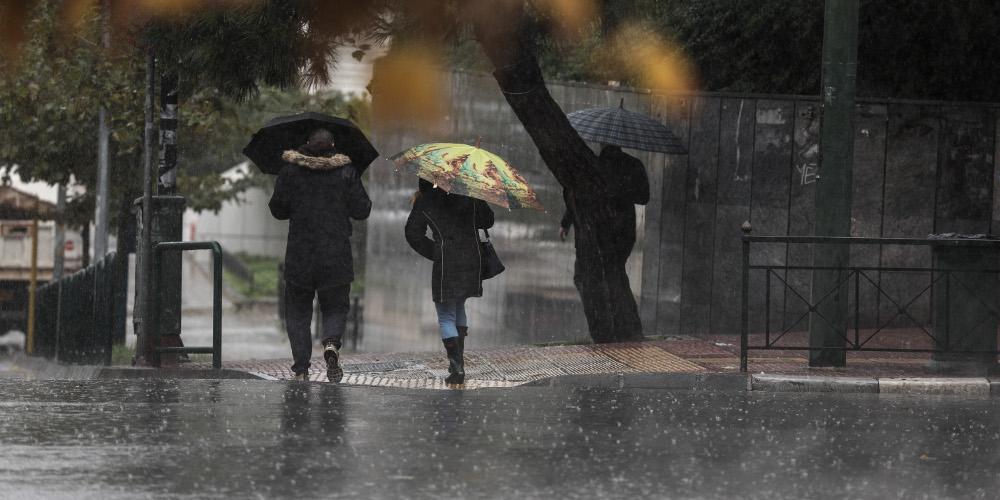 Καιρός: Βροχές, καταιγίδες ακόμα και χιόνια στα ορεινά της Αττικής την Κυριακή