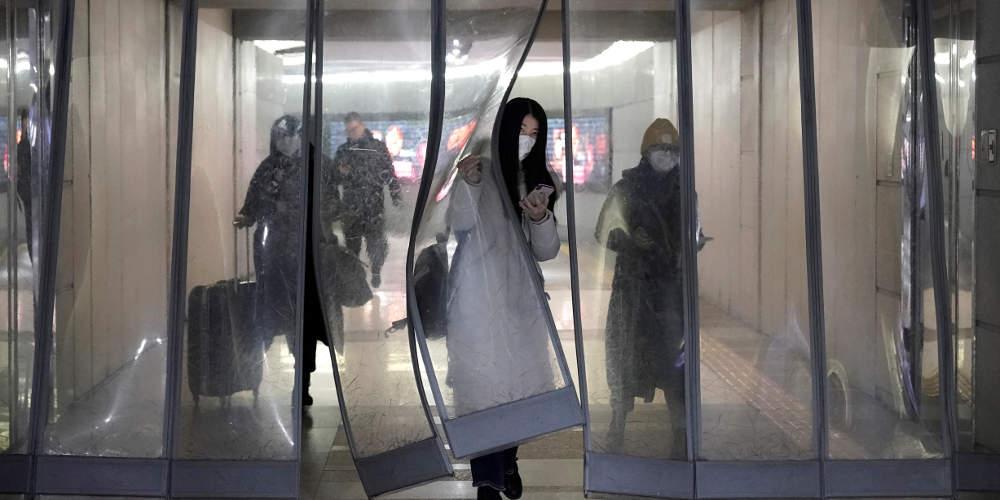 Συναγερμός για τον κοροναϊό: Στους 25 οι νεκροί στην Κίνα και 830 τα επιβεβαιωμένα κρούσματα