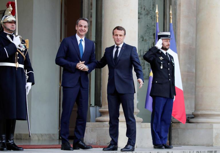 Μητσοτάκης βλέπει Μακρόν στο Παρίσι