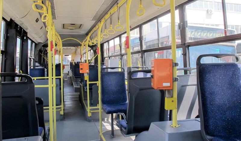 Σοκ σε λεωφορείο του ΟΑΣΘ. Γυναίκα ούρλιαζε γιατί την έκλεβαν αλλοδαποί