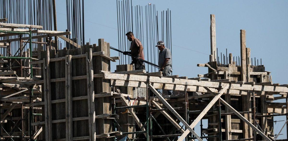 Υπουργείο Οικονομικών: Αναστολή του ΦΠΑ στην οικοδομή για 3 χρόνια