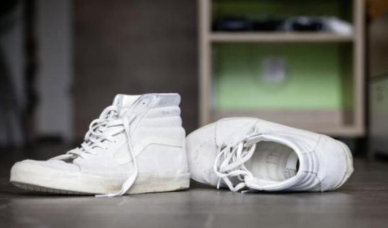 Πέλλα: 42Χρονος μπήκε σε πολυκατοικία και έκλεψε τα παπούτσια