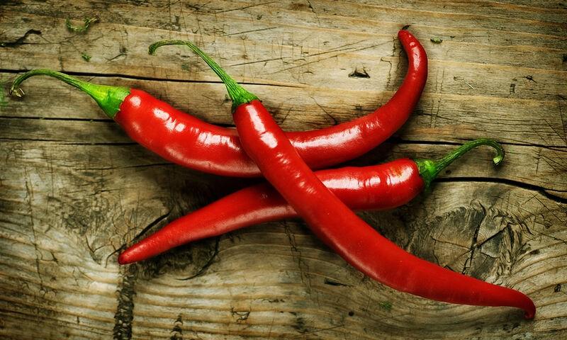 Καυτερές πιπεριές: Πόσο μειώνουν τον κίνδυνο εγκεφαλικού και εμφράγματος