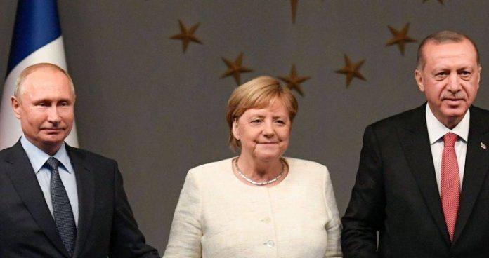 Ο Ερντογάν στο Βερολίνο, ο Μητσοτάκης στον τοίχο
