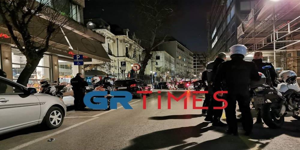 Επίθεση με μπογιές και τρικάκια στο προξενείο της Αυστραλίας στη Θεσσαλονίκη