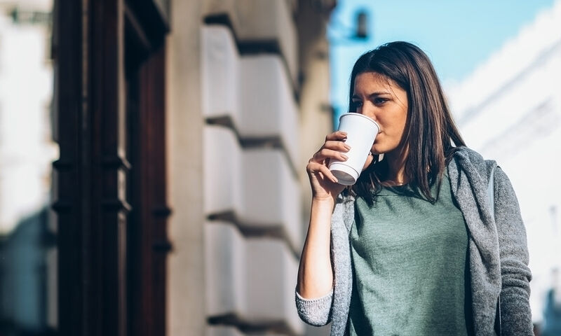 Άσκηση vs καφεΐνη: Τι ωφελεί περισσότερο τη μνήμη