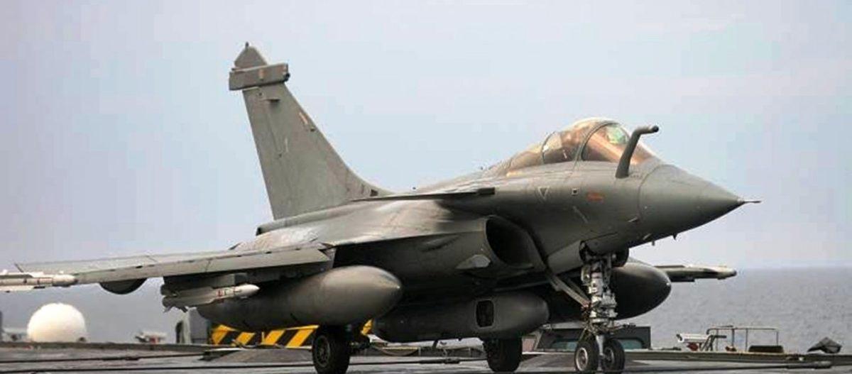 Θρίλερ στην Α.Μεσόγειο: Αναγκαστική προσγείωση δύο γαλλικών μαχητικών Rafale-M στην Λάρνακα